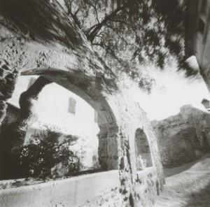レ・ボーの石塀